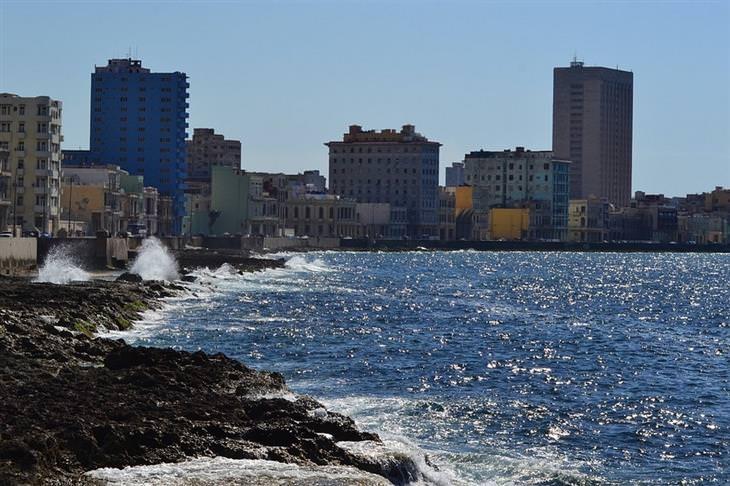 אתרי תיירות מומלצים בקובה: החוף של מאלקון