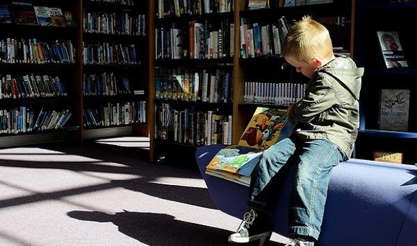מידע מומלץ להורים - ילד בספריה