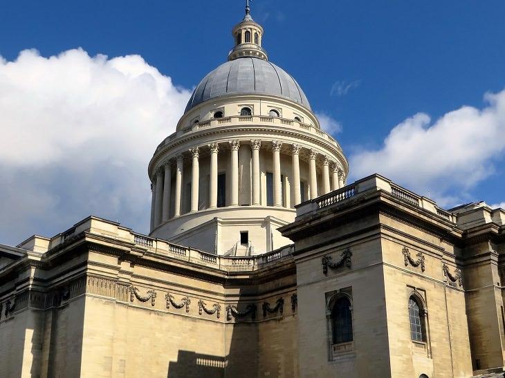 אתרי חובה בפריז: מבט מבחוץ על הפנתיאון של פריז