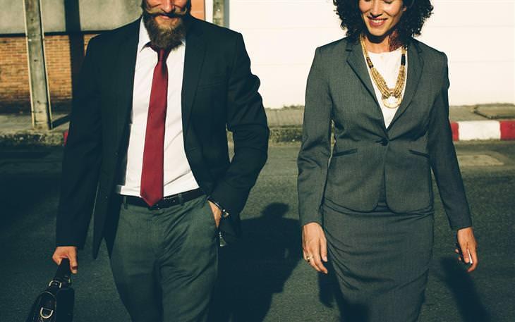 הבדלים בין גברים ונשים: גבר ואישה בחליפה