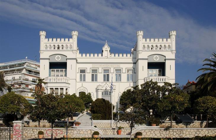 יעדים מומלצים ופחות מוכרים ביוון: בית העירייה של קוואלה