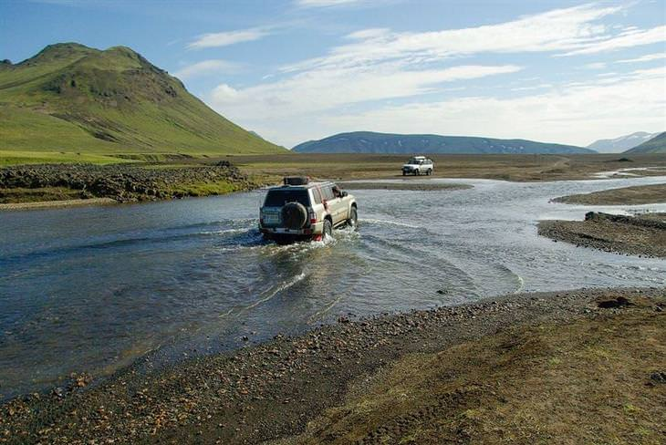 לנדמנלאוגר איסלנד: טיול ג'יפים