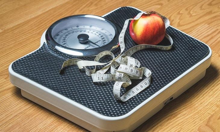 סיבות לנשירת שיער: משקל, סרט מדידה ותפוח עץ