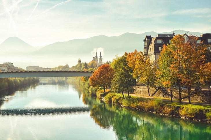 עונת הסתיו במקומות שונים בעולם: האלשטאט, אוסטריה