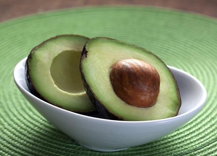 מאכלים הגורמים למיגרנות: אבוקדו