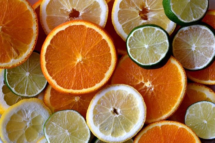 מאכלים הגורמים למיגרנות: פירות הדר