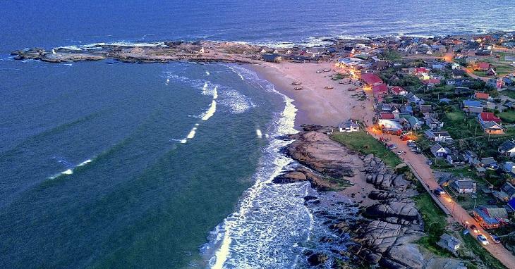 10 המקומות היפים באורוגוואי: מבט הציפור על העיר פונטה דל דיאבלו