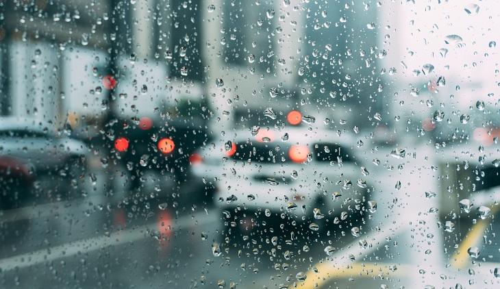דברים שכדי לעשות לפני החורף: כביש בזמן גשם