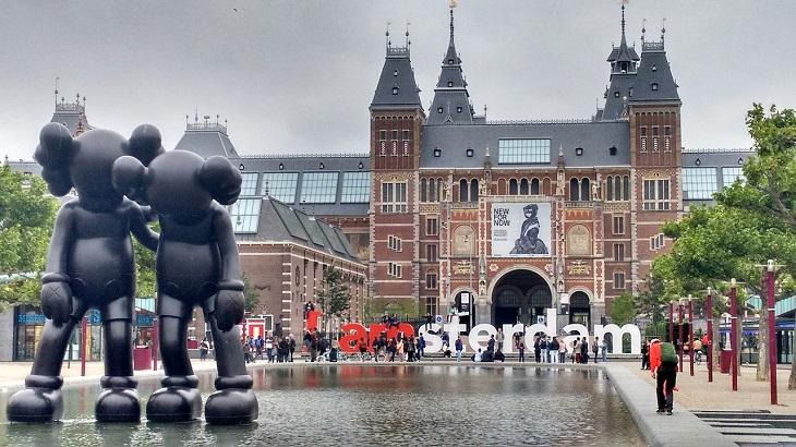 מסלול טיול בצפון הולנד: מבנה מוזיאון הרייקס באמסטרדם