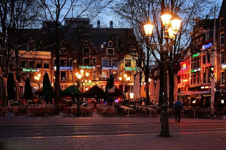מסלול טיול בצפון הולנד: כיכר ליידס באמסטרדם
