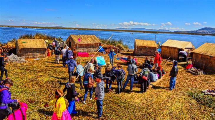 מקומות שקטים ומבודדים ברחבי העולם: האיים הצפים של אגם טיטיקקה