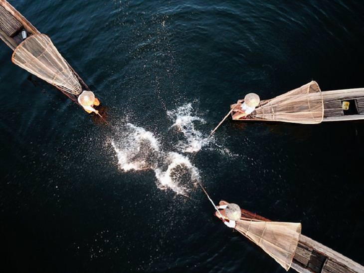 """תמונות זוכות מתחרות צילומי רחפן: """"תצוגת דייג בנהר אינלה"""", ווטר קינגוואה"""
