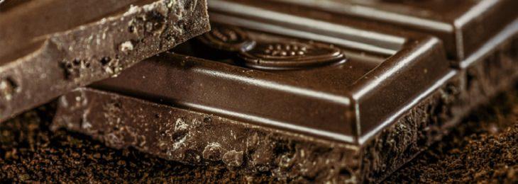 חסכים תזונתיים הגורמים לדכאון: שוקולד