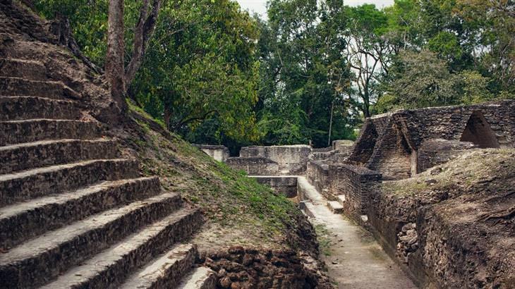 חורבות של תרבות המאיה: קאל פאץ'