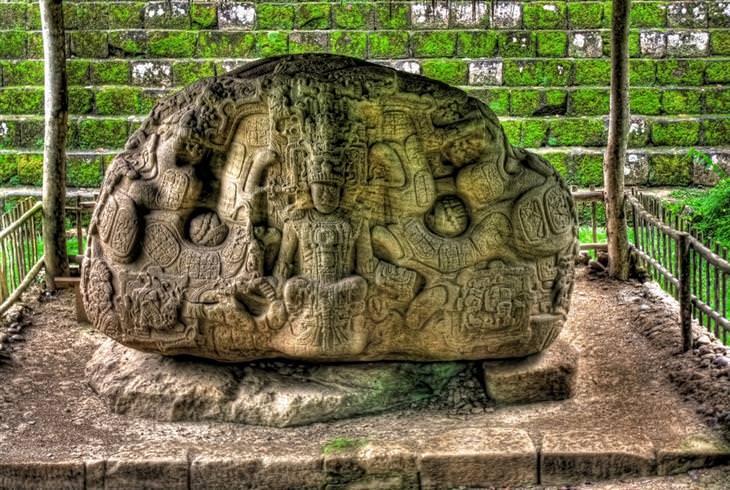 חורבות של תרבות המאיה: קיריגואה