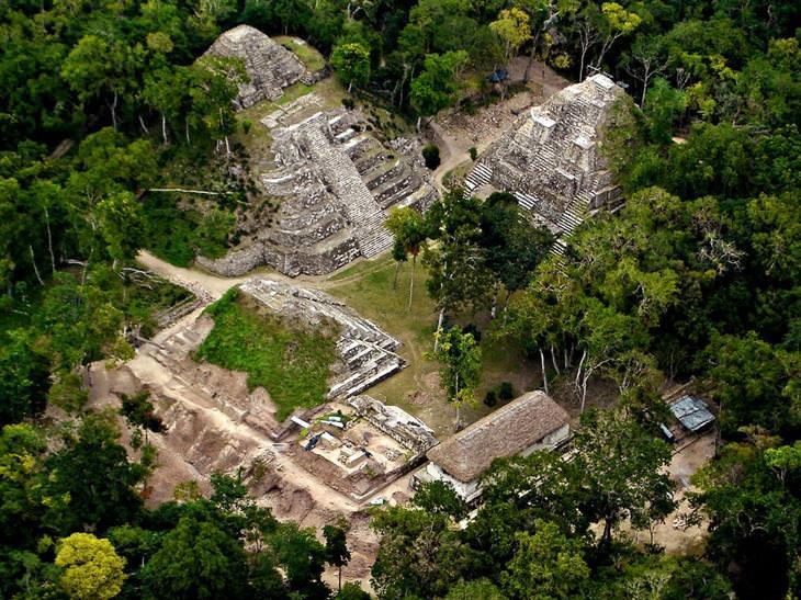 חורבות של תרבות המאיה: יאשה