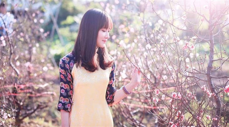דברים שמונעים מכם אושר: אישה בחיק הטבע