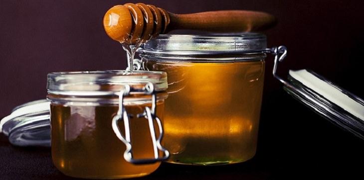מצרכים למראה עור נהדר: צנצנות דבש