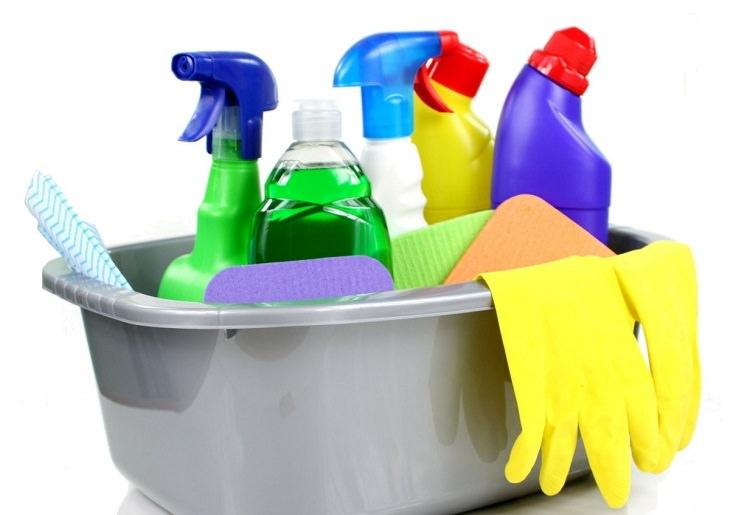 טעויות נפוצות שאתם עושים בניקיון הבית: חומרי ניקוי