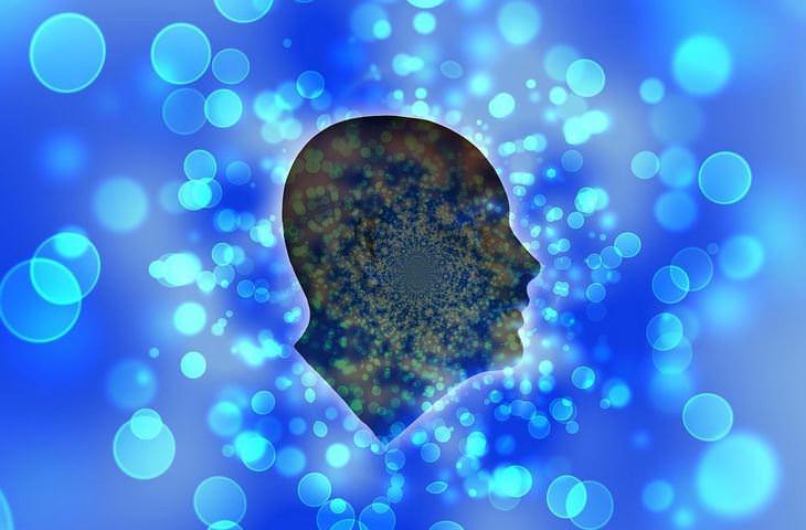 איך לשחרר את הלחץ: איור של ראש על עם בועות