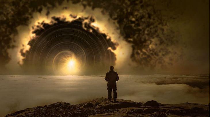 איך לשחרר את הלחץ: אדם מביט לעבר שמש ועננים