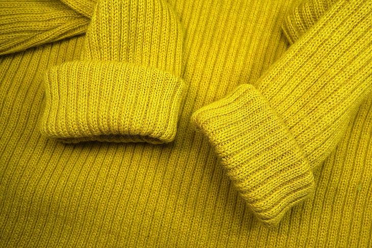 פריטים שאסור להכניס אל מכונת הכביסה והמייבש: סוודר עשוי צמר