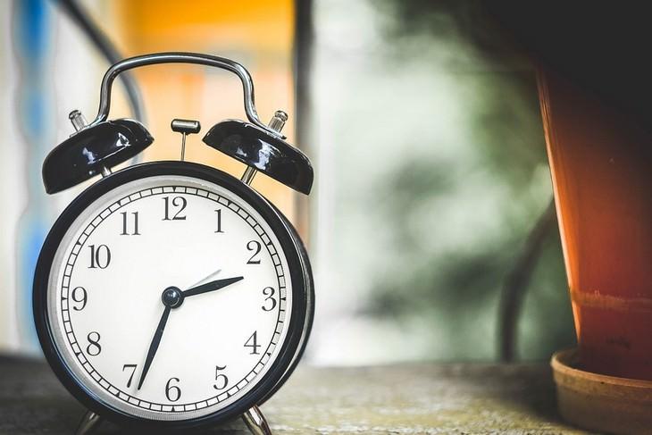 רגלים בריאים לחיים טובים: שעון ישן