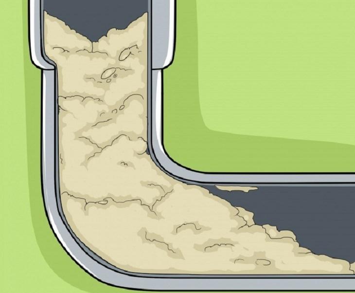 דברים שסותמים את הצנרת: איור של שאריות קמח סותמות את הצנרת