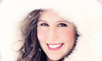 מבחן חיוכים: אישה מחייכת