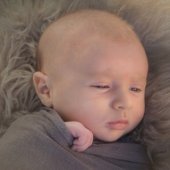 מבחן מי התינוקת: תינוק מספר 3 – תינוק עייף