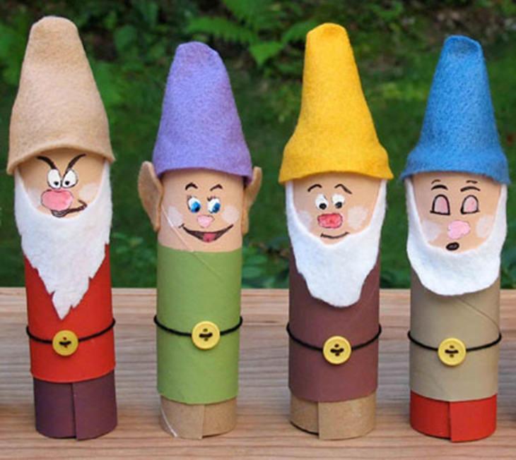 יצירת דמויות דיסני עם הילדים: ארבעה משבעת הגמדים מגלילי נייר טואלט
