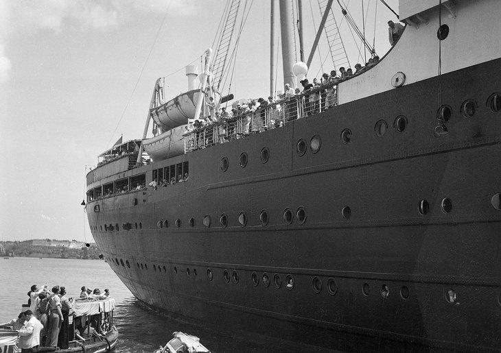 """רגעים מההיסטוריה: אניית הנוסעים """"סיינט לואיס"""" שעליה כ-900 פליטים יהודים מגרמניה (1939)"""