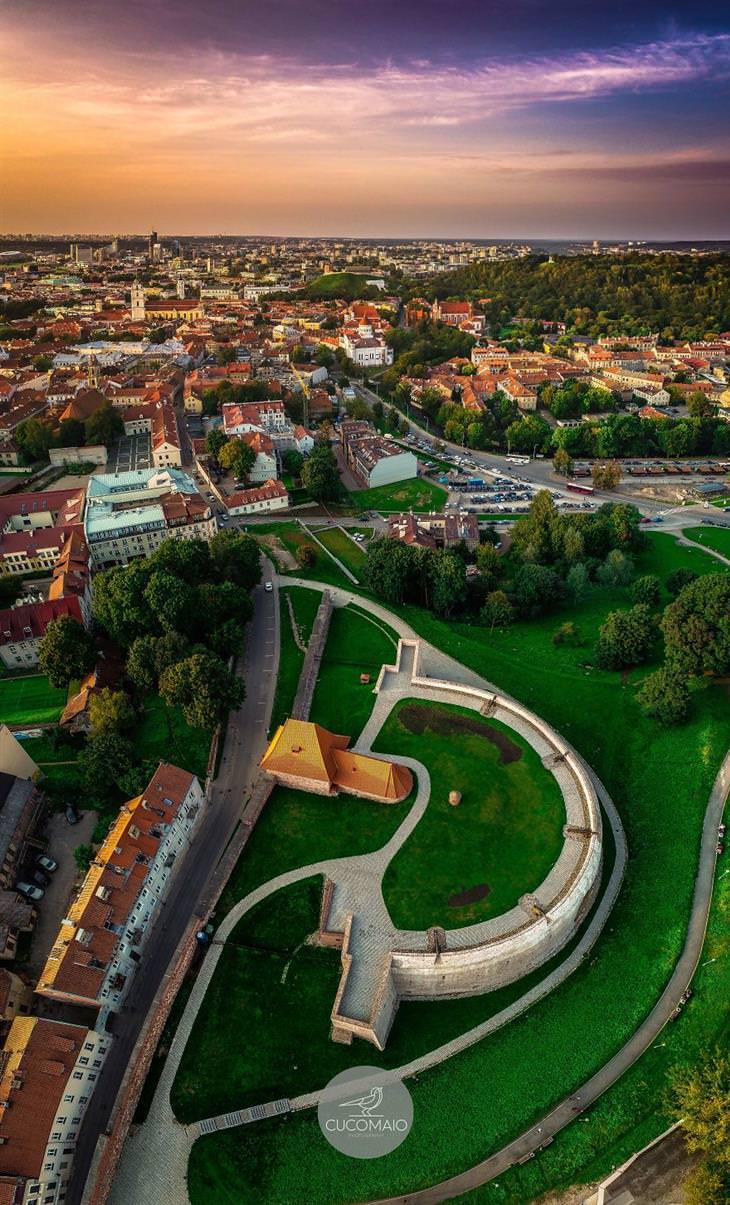 תמונות אוויריות מדהימות של ליטא: חורבות מבצר