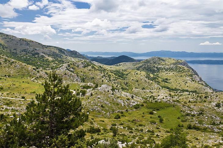 פארקים לאומיים בקרואטיה: גבעות בפארק הטבע ביוקובו