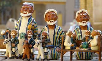 """מצא את ההבדלים: בובות של דמויות תנ""""כיות"""