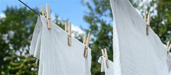 טיפים לכביסה: בגדים תלויים