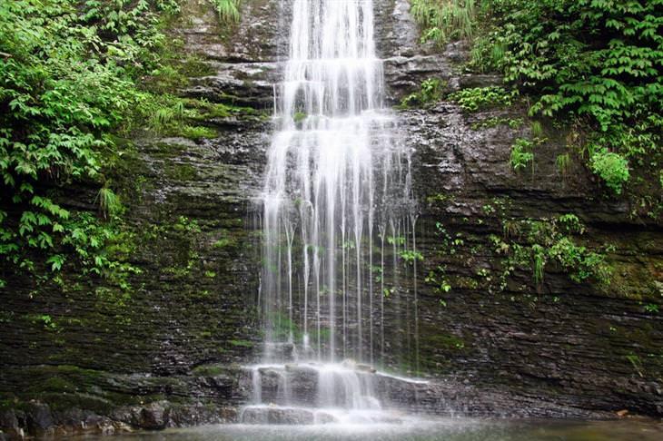 פארקים לאומיים בסין: מפל בפארק הלאומי אמיי שאן