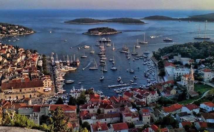 איי קרואטיה: האי חוואר