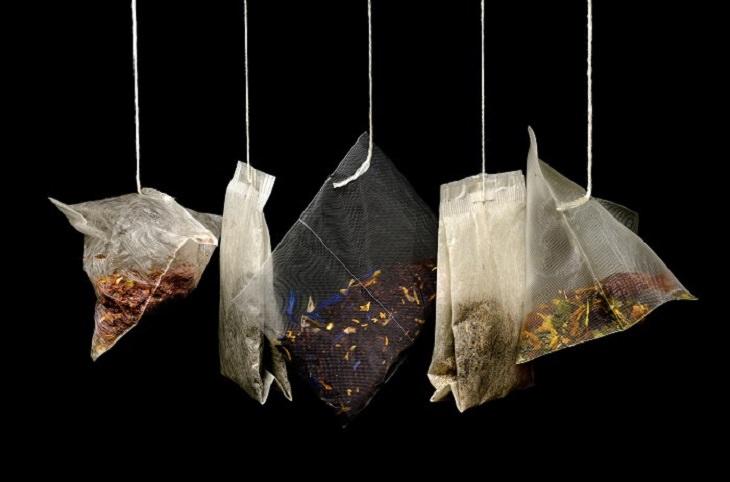 הכנת צבעי שיער טבעיים: שקיות תה