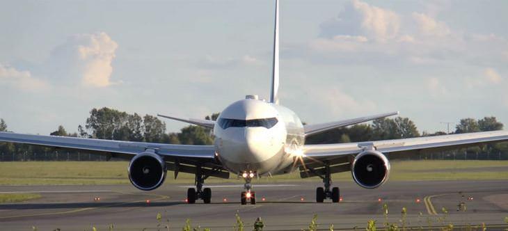 מטוסי יוקרה: בואינג 767-33A/ER