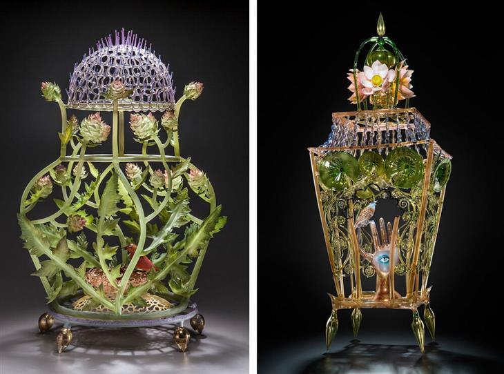 יצירות מזכוכית: מימין: עששית זכוכית עם עלים, פרחים וכף יד עם עין במרכז. משמאל: עששית עגולה עם פרחים ועלים