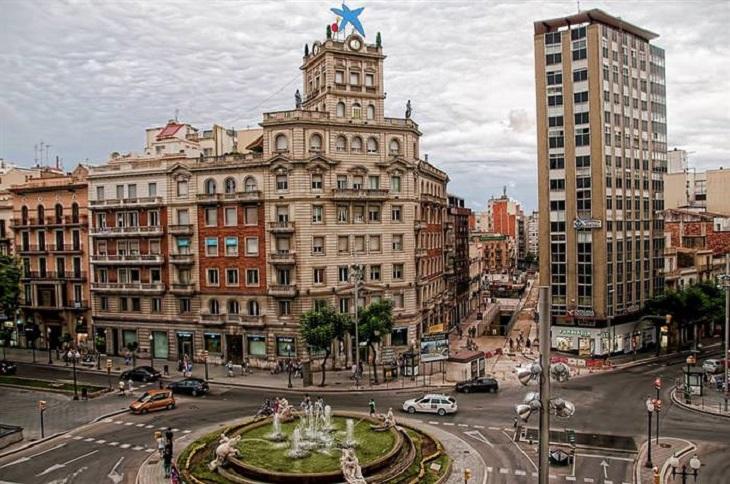 מסלול טיול שבועיים בספרד: הכיכר המרכזית בטארגונה
