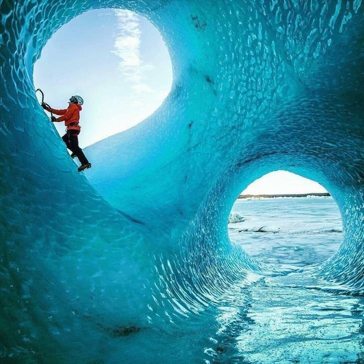 תמונות נפלאות: מערות הקרח המדהימות של איסלנד