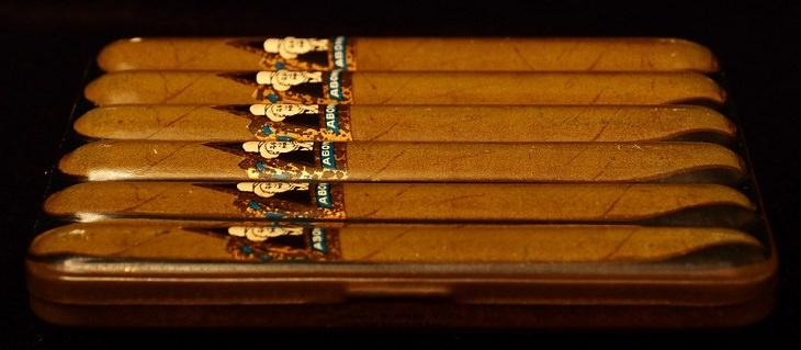 בדיחה:  קופסת סיגרים