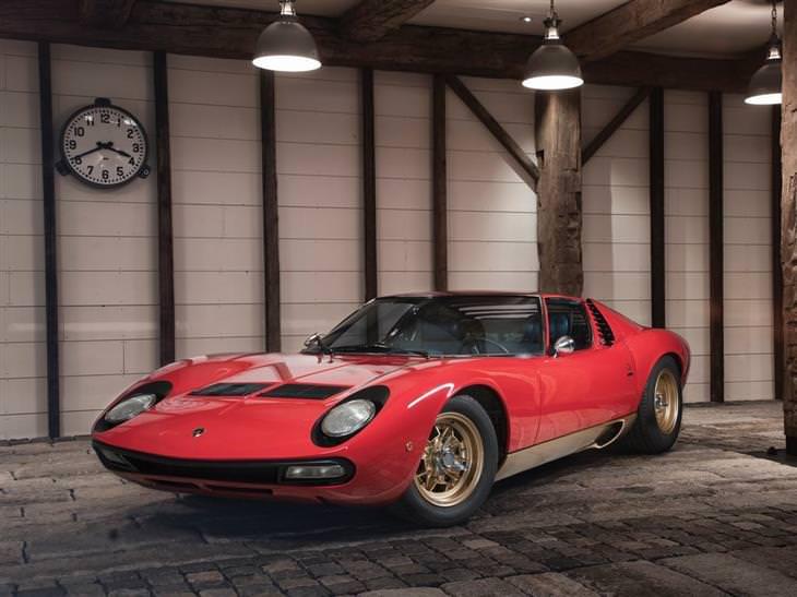 מכוניות יוקרה: 1971 למבורגיני מיורה P400 SV ברטונה
