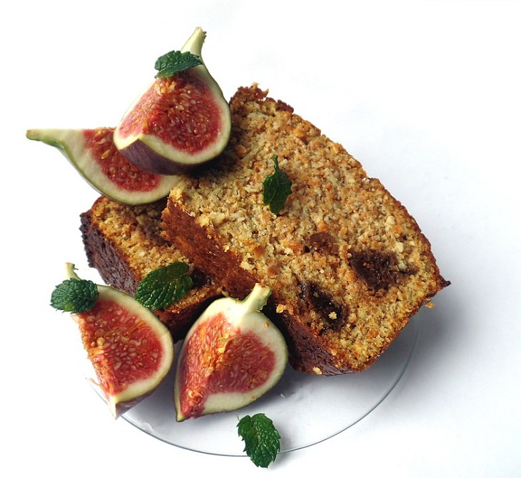 יתרונות בריאותיים בתאנה: עוגת תאנים