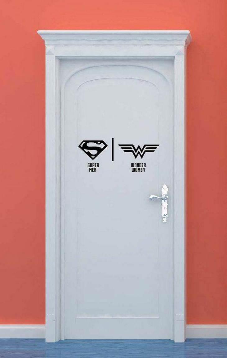 שלטים מצחיקים לשירותים: מותאם לגיבורי על שיכולים לעוף בלבד