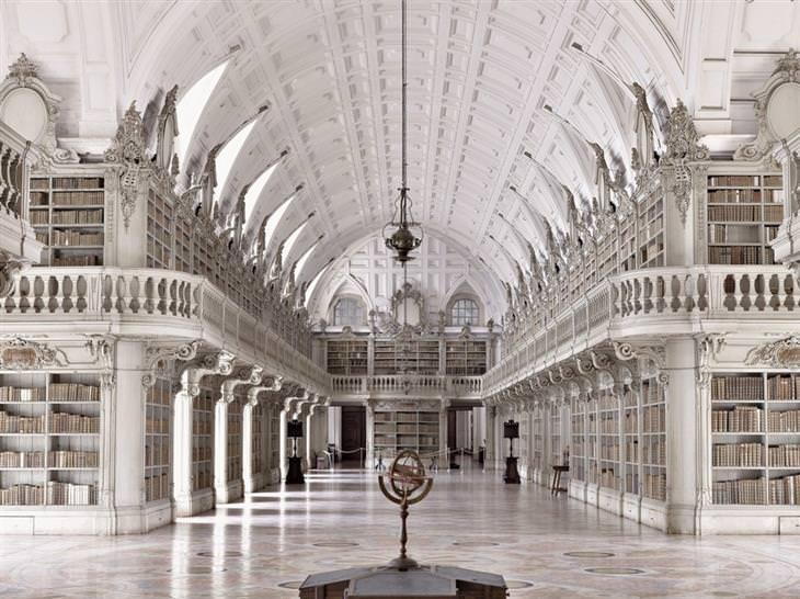 ספריות יפות: ספריית ארמון מאפרה
