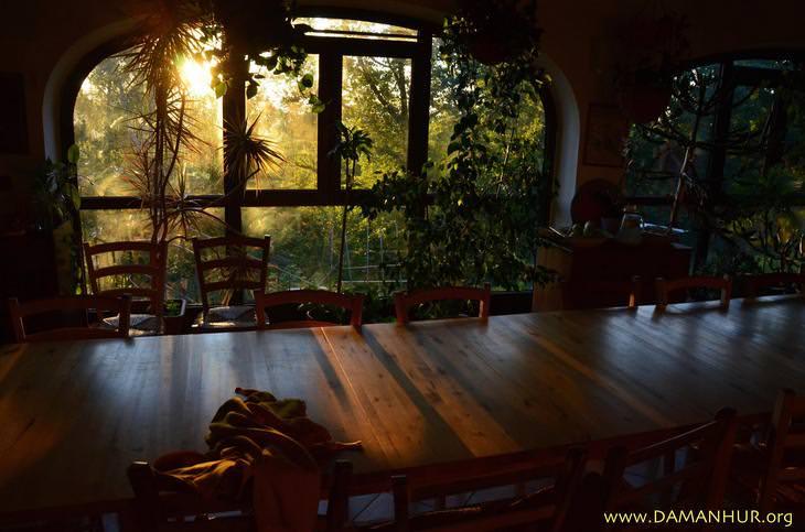 מקדשי דמנהור: חדר האוכל