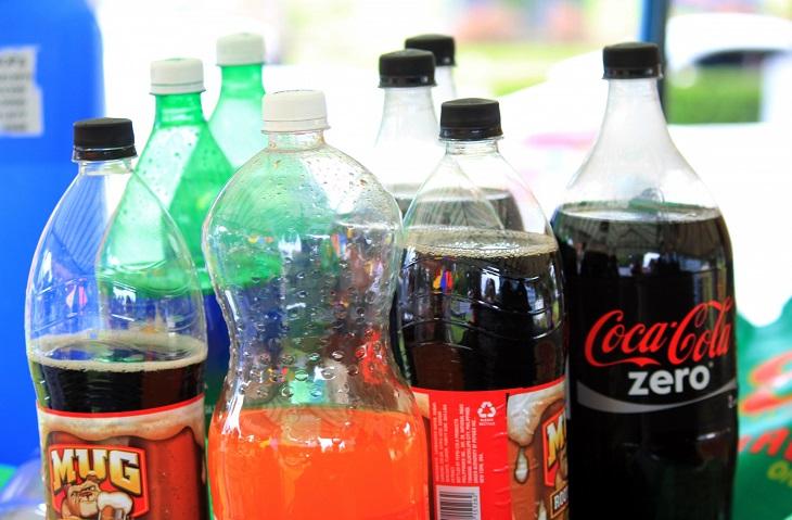 שימושים לפלסטיק בועות: בקבוקי משקאות קלים,